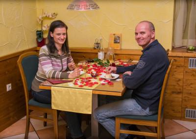 zelo prijetni in valentinovo razpolozeni gostje
